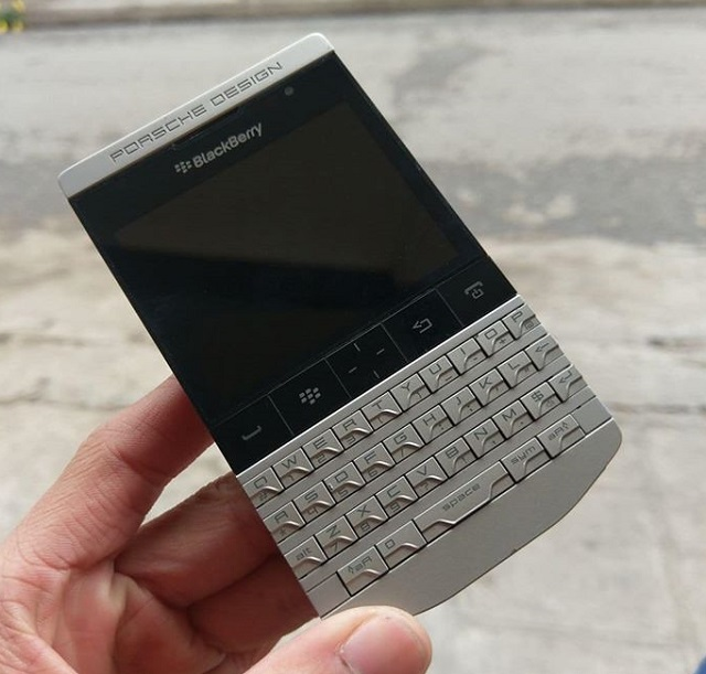 Blackberry Porsche Design P'9981 cũ